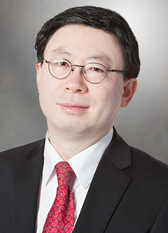 Jiajie Zhang, PhD, Dean of The University of Texas School of Biomedical Informatics at Houston